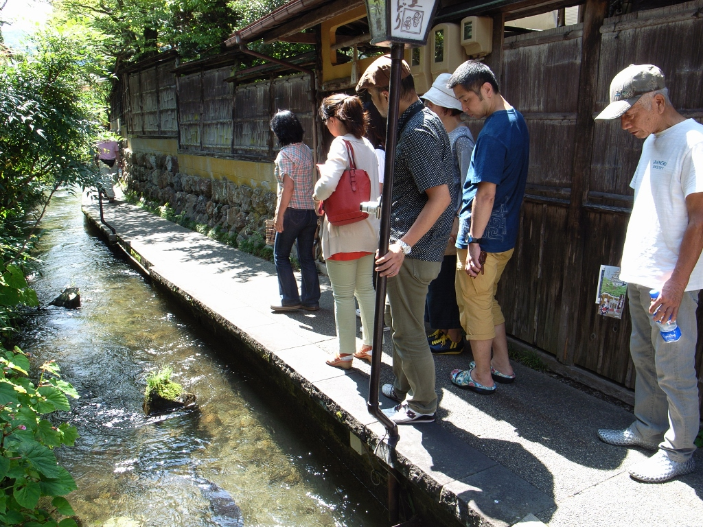 【初日】八幡町の水を巡る
