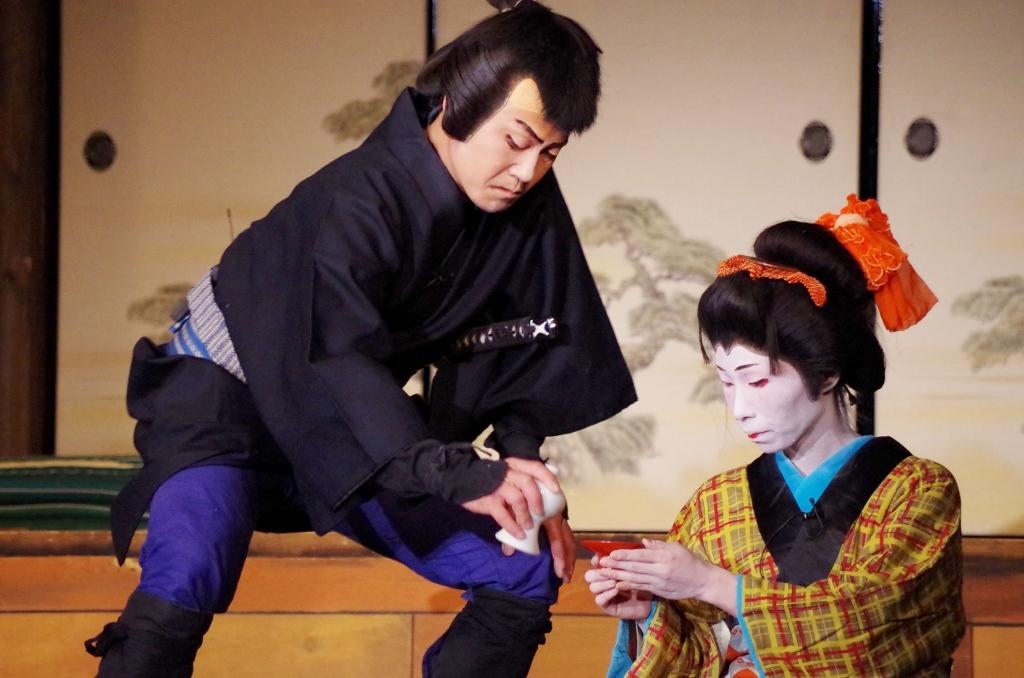 菊「俺が行きゃ時の命は助け、親分の仇も取ってやろうぜ。だがこいつはお前の心次第だ: