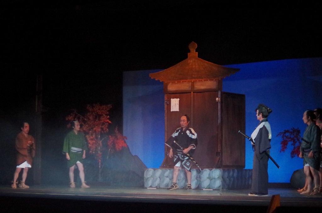 弥五郎「時のやつ、馬鹿に遅ぇなぁ」時「一心寺に寄って、戒名を書いてもらっていたんで」