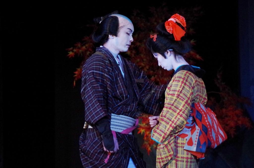 菊「この手で、しっかり抱いてやんな」