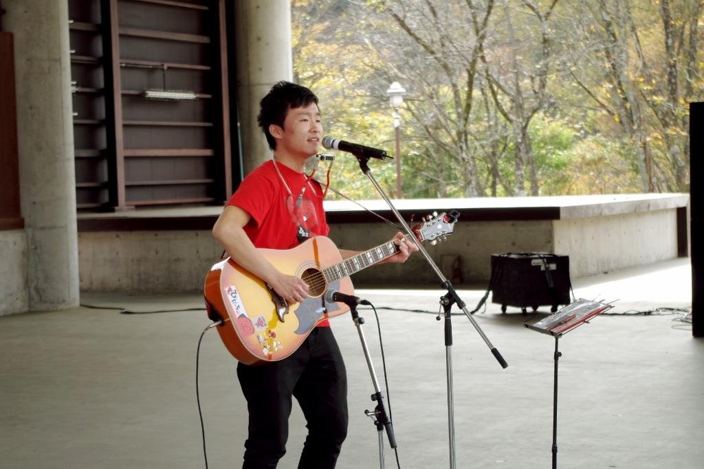 飛騨高山シンガーソングライター 杉山修さん